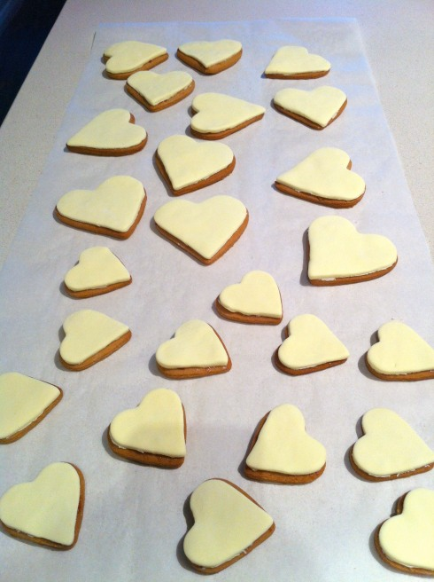 Iced gingerbread hearts