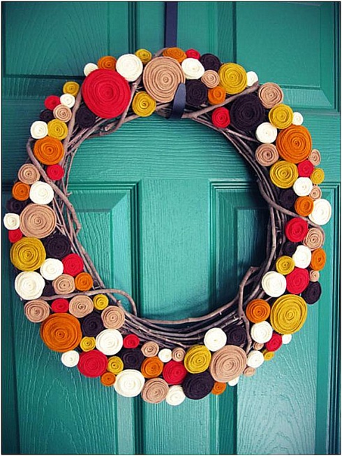 A-rolled-felt-modern-wreath