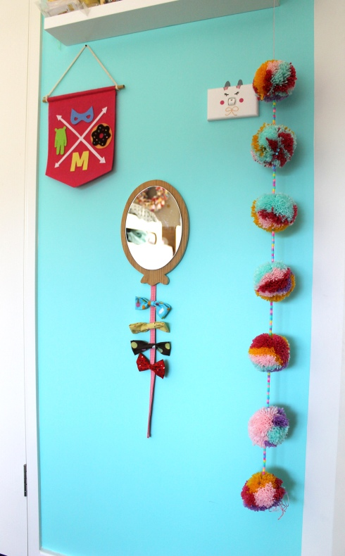 Pompomgarland_HangWall1
